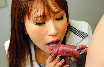 Yuki Maya knows how to suck a large pecker